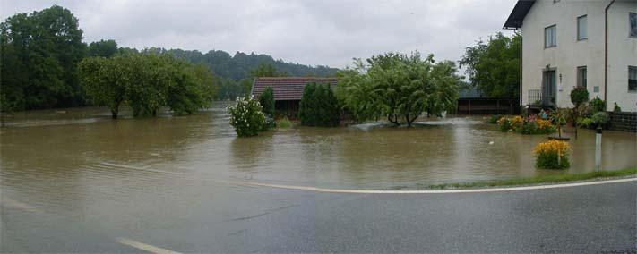 Waldzeller Ache - Au Hochwasser 2002